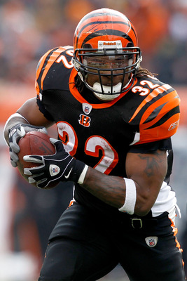 CINCINNATI, OH - DECEMBER 19:  Cedric Benson #32 of the Cincinnati Bengals carries the ball against the Cleveland Browns at Paul Brown Stadium on December 19, 2010 in Cincinnati, Ohio.  (Photo by Matthew Stockman/Getty Images)