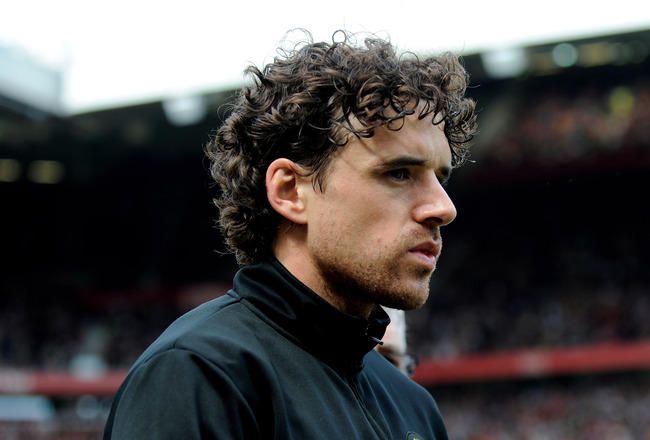 MANCHESTER, ENGLAND - APRIL 24:   Owen Hargreaves  of Manchester United heads for the bench prior to the Barclays Premier League match between Manchester United and Tottenham Hotspur at Old Trafford on April 24, 2010 in Manchester, England.  (Photo by Mic