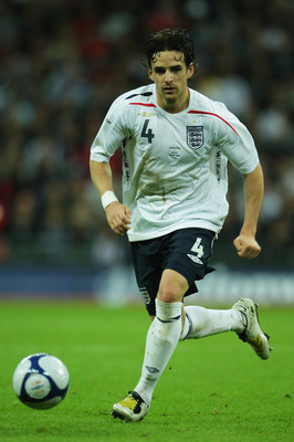LONDON - MAY 28:  Owen Hargreaves of England in action during the international friendly match between England and the USA at Wembley Stadium on May 28, 2008 in London, England.  (Photo by Phil Cole/Getty Images)