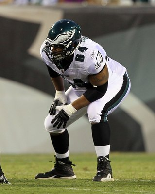 PHILADELPHIA, PA - AUGUST 11:  Ryan Harris #64 of the Philadelphia Eagles in action against the Baltimore Ravens during their pre season game on August 11, 2011 at Lincoln Financial Field in Philadelphia, Pennsylvania.  (Photo by Jim McIsaac/Getty Images)