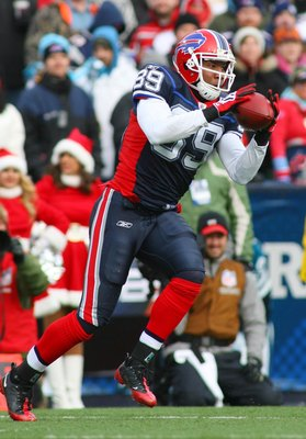 ORCHARD PARK, NY - DECEMBER 20: Shawn Nelson #89 of the Buffalo Bills catches a pass against the New England Patriots during the game at Ralph Wilson Stadium on December 20, 2009 in Orchard Park, New York. (Photo by: Rick Stewart/Getty Images)