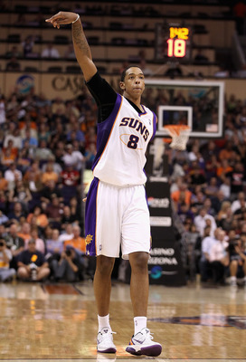 PHOENIX, AZ - MARCH 30:  Channing Frye #4 of the Phoenix Suns during the NBA game against the Oklahoma City Thunder at US Airways Center on March 30, 2011 in Phoenix, Arizona.  The Thunder defeated the Suns 116-98. NOTE TO USER: User expressly acknowledge