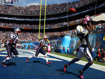 SAN DIEGO - OCTOBER 24:  Wide Receiver Buster Davis #84 of the San Diego Chargers catches the ball but can't keep his feet in the endzone against the New England during NFL game on October 24, 2010 at Qualcomm Stadium in San Diego, California. (Photo by D