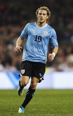DUBLIN, IRELAND - MARCH 29:  Diego Forlan of Uruguay in action during the International Friendly match between Republic of Ireland and Uruguay at the Aviva Stadium on March 29, 2011 in Dublin, Ireland.  (Photo by Ian Walton/Getty Images)