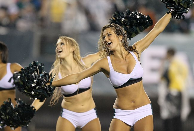 PHILADELPHIA, PA - AUGUST 25:  Cheerleaders perform during the game between the Philadelphia Eagles and the Cleveland Browns on August 25, 2011 at Lincoln Financial Field in Philadelphia, Pennsylvania.  (Photo by Jim McIsaac/Getty Images)
