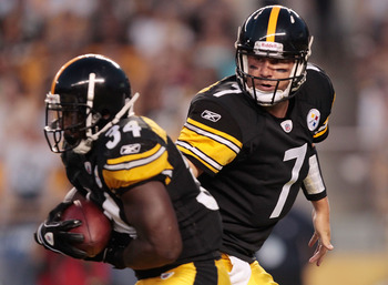 Pittsburgh Steelers QB Ben Roethlisberger (7) and RB Rashard Mendenhall (34).