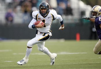 SEATTLE - NOVEMBER 17: DeSean Jackson #1 of the California Golden Bears carries the ball during the game against the Washington Huskies at Husky Stadium November 17, 2007 in Seattle, Washington. (Photo by Otto Greule Jr/Getty Images)