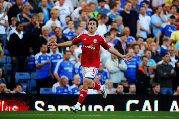 LONDON, ENGLAND - AUGUST 20:  Shane Long of West Brom celebrates after scoring the opening goal during the Barclays Premier League match between Chelsea and West Bromwich Albion at Stamford Bridge on August 20, 2011 in London, England.  (Photo by Laurence