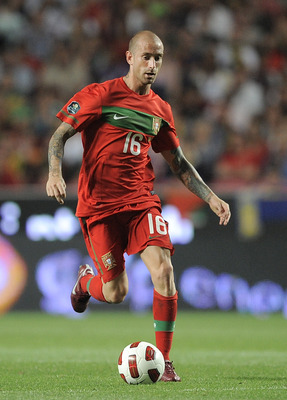 LISBON, PORTUGAL - JUNE 04: Raul Meireles of Portugal in action during the EURO 2012 Group H qualifier between Portugal and Norway at Estadio do Sport Lisboa e Benfica on June 4, 2011 in Lisbon, Portugal.  (Photo by Denis Doyle/Getty Images)