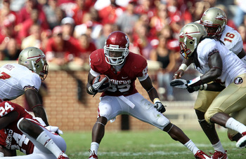 NORMAN, OK - SEPTEMBER 11:  Wide receiver Ryan Broyles #85 of the Oklahoma Sooners runs the ball against the Florida State Seminoles at Gaylord Family Oklahoma Memorial Stadium on September 11, 2010 in Norman, Oklahoma.  (Photo by Ronald Martinez/Getty Im
