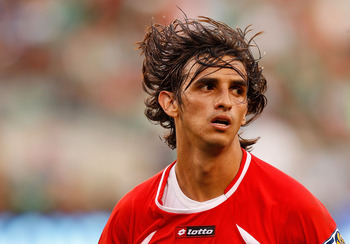 EAST RUTHERFORD, NJ - JUNE 18:  Bryan Ruiz #10 of Costa Rica looks on against Honduras during the 2011 Gold Cup Quarterfinals on June 18, 2011 at the New Meadowlands Stadium in East Rutherford, New Jersey.  (Photo by Mike Stobe/Getty Images)