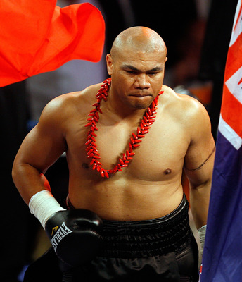 HAMILTON, NEW ZEALAND - OCTOBER 03:  David Tua arrives in the ring to face Shane Cameron in  their heavyweight fight at Mystery Creek on October 3, 2009 in Hamilton, New Zealand.  (Photo by Hannah Johnston/Getty Images)