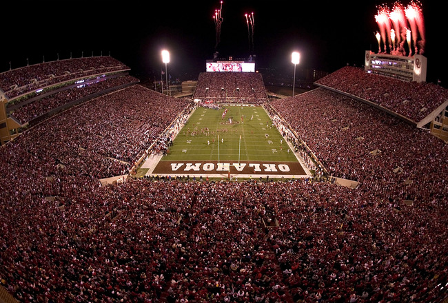 Oklahoma_memorial_stadium_night_crop_650x440