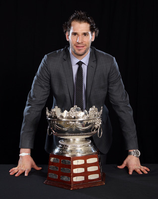 LAS VEGAS, NV - JUNE 22:  Ryan Kesler of the Vancouver Canucks poses with the Frank J. Selke Trophy during the 2011 NHL Awards at The Pearl concert theater at the Palms Casino Resort June 22, 2011 in Las Vegas, Nevada.  (Photo by Jeff Gross/Getty Images)