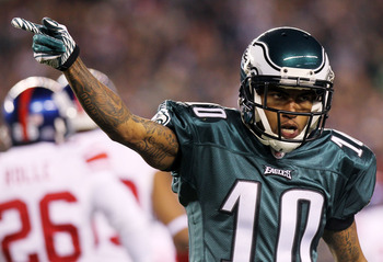 PHILADELPHIA, PA - NOVEMBER 21: DeSean Jackson #10 of the Philadelphia Eagles reacts during their game against the New York Giants at Lincoln Financial Field on November 21, 2010 in Philadelphia, Pennsylvania.  (Photo by Nick Laham/Getty Images)