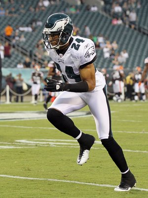 PHILADELPHIA, PA - AUGUST 25:  Nnamdi Asomugha #24 of the Philadelphia Eagles warms up before playing against the Cleveland Browns during their pre season game on August 25, 2011 at Lincoln Financial Field in Philadelphia, Pennsylvania.  (Photo by Jim McI
