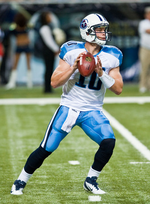 ST. LOUIS, MO - AUGUST 20:  Jake Locker #10 of the Tennessee Titans throws a pass against the St. Louis Rams at the Edward Jones Dome on August 20, 2011 in St. Louis, Missouri.  (Photo by Ed Szczepanski/Getty Images)