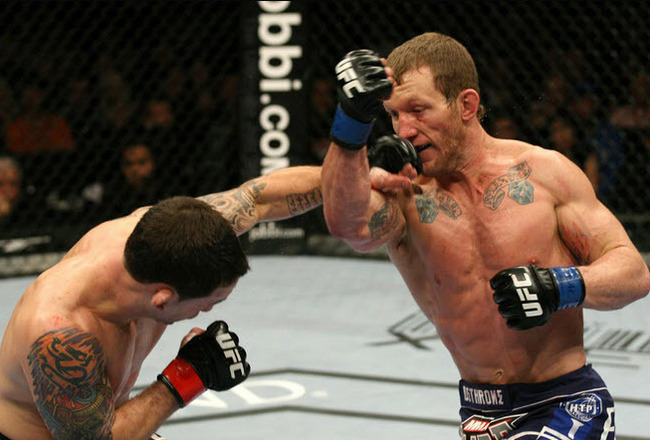 Gray_maynard_vs_frankie_edgar_ufc_125_crop_650x440