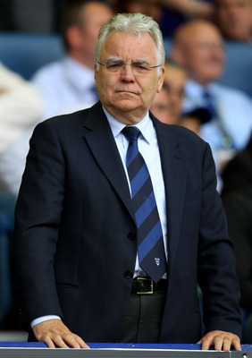 LIVERPOOL, ENGLAND - AUGUST 20:  Everton Chairman Bill Kenwright looks on prior to the Barclays Premier League match between Everton and Queens Park Rangers at Goodison Park on August 20, 2011 in Liverpool, England.  (Photo by Alex Livesey/Getty Images)