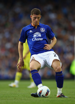 LIVERPOOL, ENGLAND - AUGUST 05:  Ross Barkley of Everton in action during the pre season friendly match between Everton and Villarreal  at Goodison Park on August 5, 2011 in Liverpool, England.  (Photo by Clive Brunskill/Getty Images)