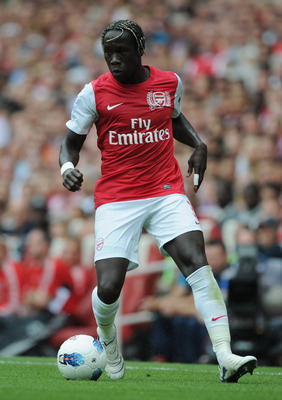 LONDON, ENGLAND - AUGUST 20:  Bacary Sagna of Arsenal with the ball during the Barclays Premier League match between Arsenal and Liverpool at the Emirates Stadium on August 20, 2011 in London, England.  (Photo by Michael Regan/Getty Images)
