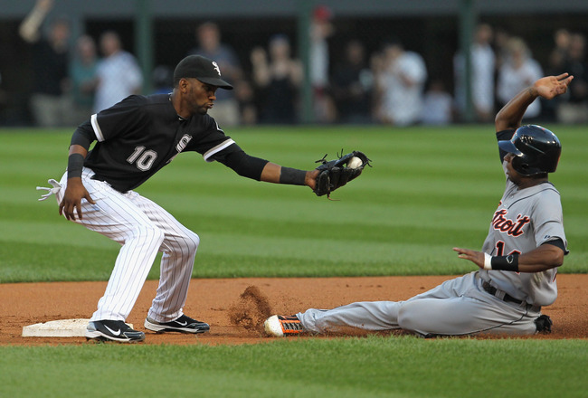 CHICAGO, IL - JULY 26: Alexei Ramirez #10 of the Chicago White Sox waits to tag Austin Jackson #14 of the Detroit Tigers on a steal attempt at U.S. Cellular Field on July 26, 2011 in Chicago, Illinois. (Photo by Jonathan Daniel/Getty Images)