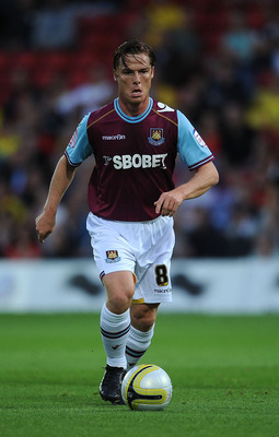 WATFORD, ENGLAND - AUGUST 16:  Scott Parker of West Ham United during the npower Championship match between Watford and West Ham United at Vicarage Road on August 16, 2011 in Watford, England.  (Photo by Christopher Lee/Getty Images)