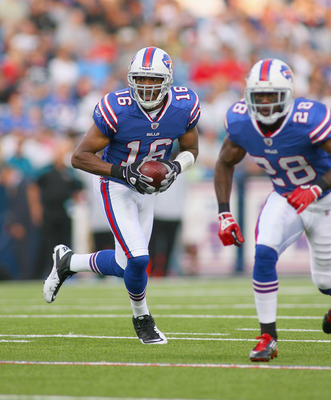 ORCHARD PARK, NY - AUGUST 27: Brad Smith #16 of the Buffalo Bills runs with blocking from C.J. Spiller #28 of the Buffalo Bills  at Ralph Wilson Stadium on August 27, 2011 in Orchard Park, New York.  (Photo by Rick Stewart/Getty Images)