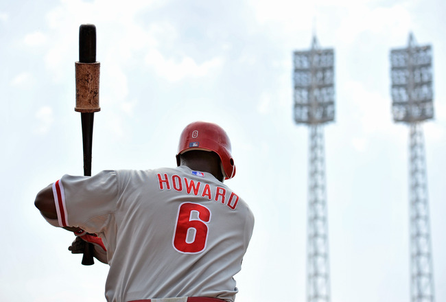 CINCINNATI, OH - SEPTEMBER 1:  Ryan Howard #6 of the Philadelphia Phillies warms up before batting against the Cincinnati Reds at Great American Ball Park on September 1, 2011 in Cincinnati, Ohio. Howard had a home run in a 6-4 Phillies win over the Reds.