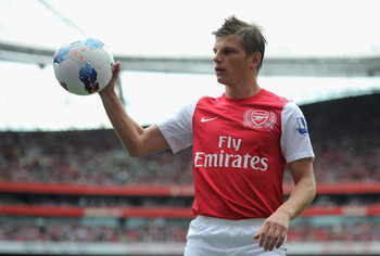 LONDON, ENGLAND - AUGUST 20:  Andrey Arshavin of Arsenal with the ball during the Barclays Premier League match between Arsenal and Liverpool at the Emirates Stadium on August 20, 2011 in London, England.  (Photo by Michael Regan/Getty Images)