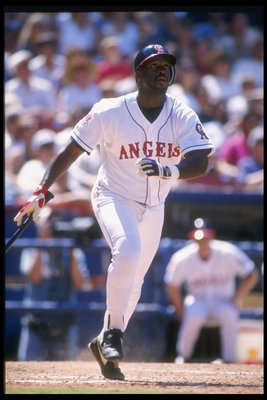 18 Jun 1995:  Chili Davis of the California Angels swings at the ball during a game against the Chicago White Sox at Anaheim Stadium in Anaheim, California.  The Angels won the game 8-4. Mandatory Credit: Stephen Dunn  /Allsport