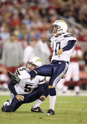 GLENDALE, AZ - AUGUST 27:  Kicker Nate Kaeding #10 of the San Diego Chargers kicks a field goal against the Arizona Cardinals during the preseason NFL game at the University of Phoenix Stadium on August 27, 2011 in Glendale, Arizona.  The Chargers defeate