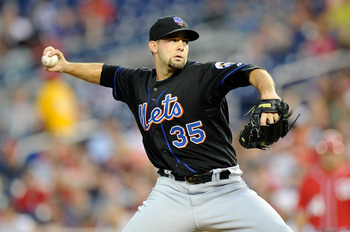 WASHINGTON, DC - SEPTEMBER 03:  Dillon Gee #35 of the New York Mets pitches against the Washington Nationals at Nationals Park on September 3, 2011 in Washington, DC.  (Photo by Greg Fiume/Getty Images)