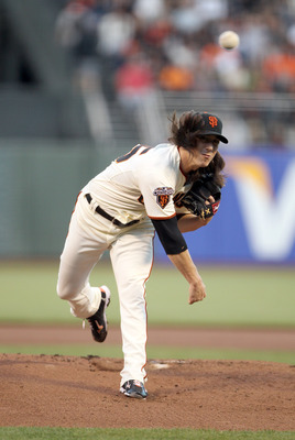 SAN FRANCISCO, CA - AUGUST 24:  Tim Lincecum #55 of the San Francisco Giants pitches against the San Diego Padres at AT&T Park on August 24, 2011 in San Francisco, California.  (Photo by Ezra Shaw/Getty Images)