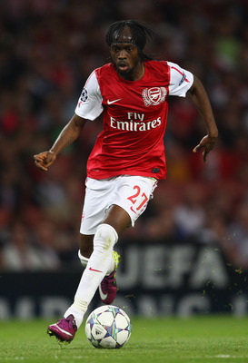LONDON, ENGLAND - AUGUST 16:  Gervinho of Arsenal with the ball during the UEFA Champions League play-off first leg match between Arsenal and Udinese at the Emirates Stadium on August 16, 2011 in London, England.  (Photo by Julian Finney/Getty Images)