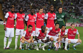 UDINE, ITALY - AUGUST 24:  The Arsenal team pose for a group photo during the UEFA Champions League play-off second leg match between Udinese Calcio and Arsenal FC at the Stadio Friuli on August 24, 2011 in Udine, Italy.  (Photo by Jamie McDonald/Getty Im