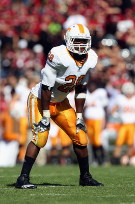 COLUMBIA, SC - OCTOBER 30:  Tauren Poole #28 of the Tennessee Volunteers against the South Carolina Gamecocks during their game at Williams-Brice Stadium on October 30, 2010 in Columbia, South Carolina.  (Photo by Streeter Lecka/Getty Images)