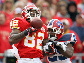 KANSAS CITY, MO - OCTOBER 31:  Drayton Florence #29 of the Buffalo Bills breaks up a pass intended for Dwayne Bowe #82 of the Kansas City Chiefs during the game on October 31, 2010  at Arrowhead Stadium in Kansas City, Missouri.  (Photo by Jamie Squire/Ge