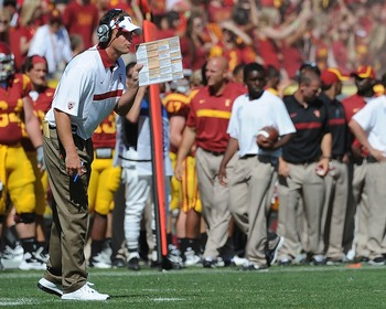 Coach Lane Kiffin play calling at the Minnesota game (Photo courtesy of USCTrojans.com by John SooHoo)
