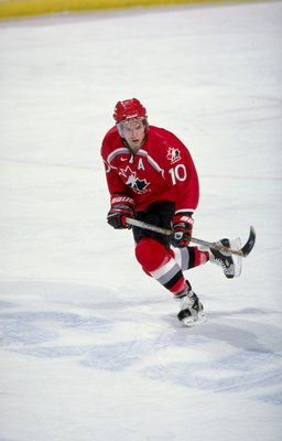 4 Jan 1999:  Daniel Tkaczuk #10 of Team Canada in action during the World Junior Hockey Championships Game against Team Sweden at the Winnepeg Arena in Winnepeg, Manitoba, Canada. Team Canada defeated Team Sweden 6-1. Mandatory Credit: Elsa Hasch  /Allspo