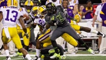 http://breakingtackles.com/wp-content/uploads/2011/09/lsu_oregon_deanthony-thomas-300x169.jpg