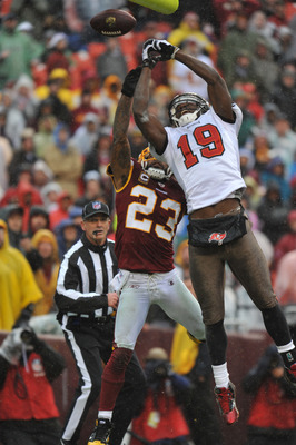LANDOVER, MD - DECEMBER 12:  Mike Williams #19 of the Tampa Bay Buccaneers can't make this endzone catch against the Washington Redskins  at FedExField on December 12, 2010 in Landover, Maryland. The Buccaneers defeated the Redskins 17-16. (Photo by Larry