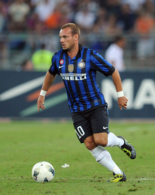 BARI, ITALY - AUGUST 18:  Wesley Sneijder of Inter in action during the match between FC Internazionale and AC Milan during the TIM preseason tournament at Stadio San Nicola on August 18, 2011 in Bari, Italy.  (Photo by Giuseppe Bellini/Getty Images)