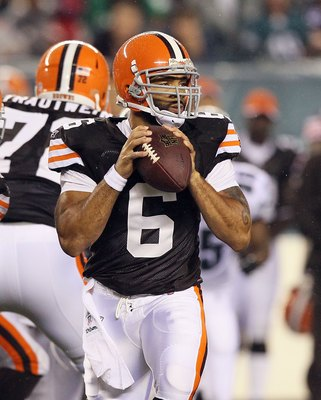PHILADELPHIA, PA - AUGUST 25:  Seneca Wallace #6 of the Cleveland Browns in action against the Philadelphia Eagles during their pre season game on August 25, 2011 at Lincoln Financial Field in Philadelphia, Pennsylvania.  (Photo by Jim McIsaac/Getty Image