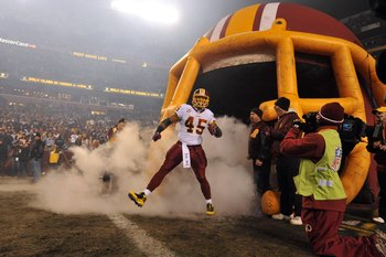 LANDOVER, MD - DECEMBER 27:  Mike Sellers #45 of the Washington Redskins is introduced before the game against the Dallas Cowboys at FedExField on December 27, 2009 in Landover, Maryland. The Cowboys defeated the Redskins 17-0. (Photo by Larry French/Gett