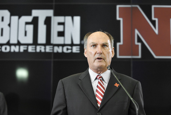 LINCOLN, NE - JUNE 11: Big Ten Conference Commissioner James Delany informs members of the media that the University of Nebraska has accepted an invitation to join the Big Ten Conference June 11, 2010 in Lincoln, Nebraska.  The university will begin integ
