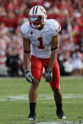 PASADENA, CA - JANUARY 01:  Wide receiver Nick Toon #1 of the Wisconsin Badgers lines up against the TCU Horned Frogs during the 97th Rose Bowl game on January 1, 2011 in Pasadena, California.  (Photo by Stephen Dunn/Getty Images)