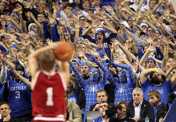 LEXINGTON, KY - DECEMBER 11:  The Kentucky Wildcats fans try to distract Jordan Hulls #1 of the Indiana Hoosiers as he shoots a free throw during the game against  on December 11, 2010 in Lexington, Kentucky.  (Photo by Andy Lyons/Getty Images)