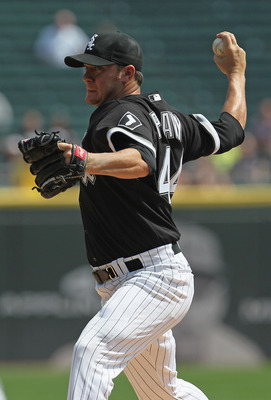 CHICAGO, IL - AUGUST 31:  Jake Peavy #44 of the Chicago White Sox delivers the ball against the Minnesota Twins at U.S. Cellular Field on August 31, 2011 in Chicago, Illinois. The Twins defeated the White Sox 7-6.  (Photo by Jonathan Daniel/Getty Images)