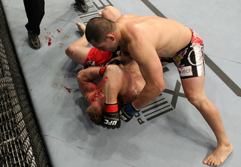 Ufc121_11_velasquez_vs_lesnar_006_display_image